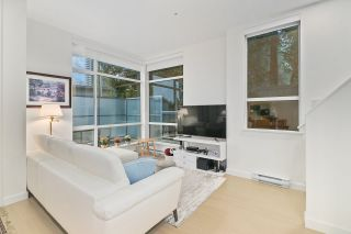 """Photo 1: 5413 LOUGHEED Highway in Burnaby: Parkcrest Townhouse for sale in """"SEASONS"""" (Burnaby North)  : MLS®# R2516986"""