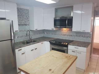 Photo 2: 126 Taylor Street East in Saskatoon: Exhibition Residential for sale : MLS®# SK861424