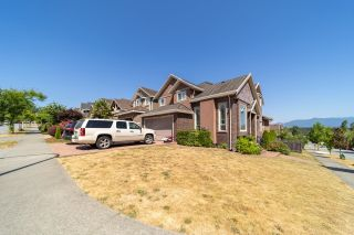 Photo 4: 10133 177A Street in Surrey: Fraser Heights House for sale (North Surrey)  : MLS®# R2600447
