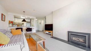 """Photo 2: 408 2288 W 12TH Avenue in Vancouver: Kitsilano Condo for sale in """"CONNAUGHT POINT"""" (Vancouver West)  : MLS®# R2594302"""