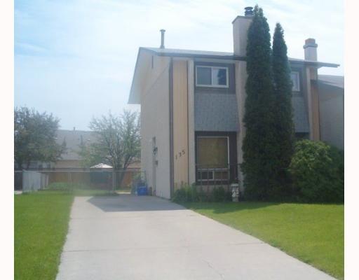Main Photo: 135 CALLUM Crescent in WINNIPEG: North Kildonan Single Family Attached for sale (North East Winnipeg)  : MLS®# 2709964