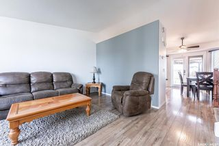 Photo 3: 203 Carter Crescent in Saskatoon: Confederation Park Residential for sale : MLS®# SK870496