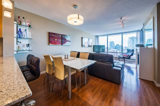"""Photo 4: 1006 39 SIXTH Street in New Westminster: Downtown NW Condo for sale in """"Quantum"""" : MLS®# R2368367"""