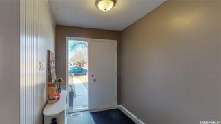 Photo 3: 63 Spruceview Road in Regina: Uplands Residential for sale : MLS®# SK848999