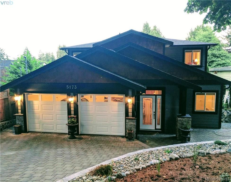 Main Photo: 5173 Lochside Dr in VICTORIA: SE Cordova Bay House for sale (Saanich East)  : MLS®# 759445