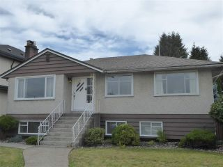 Photo 1: 3718 FIR Street in Burnaby: Burnaby Hospital House for sale (Burnaby South)  : MLS®# R2481995