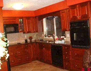 """Photo 3: 6854 STEWART RD in Delta: Sunshine Hills Woods House for sale in """"Sunshine Hills"""" (N. Delta)  : MLS®# F2604397"""