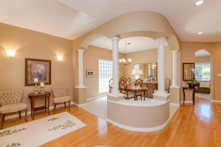 """Photo 3: 15 1881 144 Street in Surrey: Sunnyside Park Surrey Townhouse for sale in """"BRAMBLEY HEDGE"""" (South Surrey White Rock)  : MLS®# R2384004"""