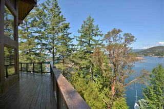 Photo 3: 4067 FRANCIS PENINSULA Road in Madeira Park: Pender Harbour Egmont House for sale (Sunshine Coast)  : MLS®# R2604603