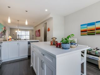 """Photo 10: 9 2469 164 Street in Surrey: Grandview Surrey Townhouse for sale in """"Abby Road"""" (South Surrey White Rock)  : MLS®# R2063728"""