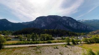 """Photo 4: 510 37881 CLEVELAND Avenue in Squamish: Downtown SQ Condo for sale in """"The Main"""" : MLS®# R2454807"""