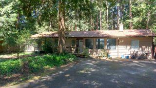 "Photo 2: 8084 WILDWOOD Road in Halfmoon Bay: Halfmn Bay Secret Cv Redroofs House for sale in ""WELCOME WOODS"" (Sunshine Coast)  : MLS®# R2576819"