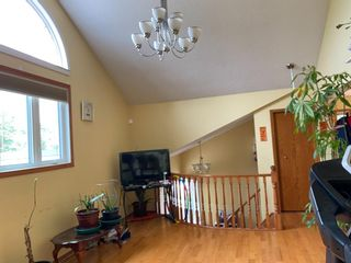 Photo 3: 2806 Catalina Boulevard NE in Calgary: Monterey Park Detached for sale : MLS®# A1130683