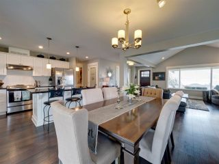 """Photo 7: 5533 PEREGRINE Crescent in Sechelt: Sechelt District House for sale in """"Silverstone Heights"""" (Sunshine Coast)  : MLS®# R2397737"""