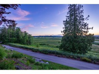 """Photo 8: 209 16380 64 Avenue in Surrey: Cloverdale BC Condo for sale in """"The Ridge at Bose Farms"""" (Cloverdale)  : MLS®# R2589170"""