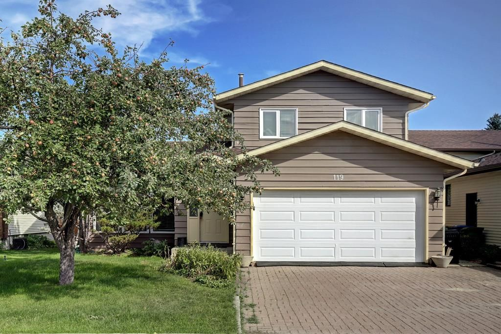 Main Photo: 119 Woodstock Road SW in Calgary: Woodlands Detached for sale : MLS®# A1145903