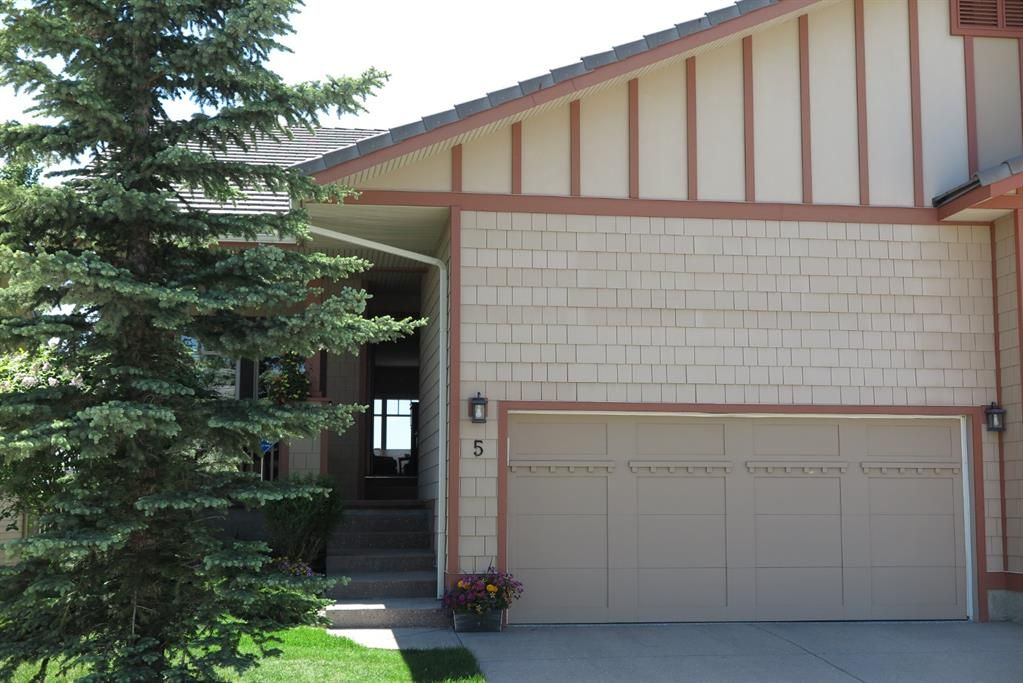 Main Photo: 5 Bridle Estates Road SW in Calgary: Bridlewood Semi Detached for sale : MLS®# A1120195