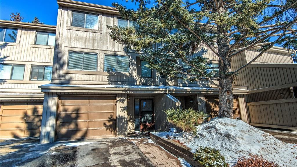 Main Photo: 22 10457 19 Street SW in Calgary: Braeside Row/Townhouse for sale : MLS®# A1074324
