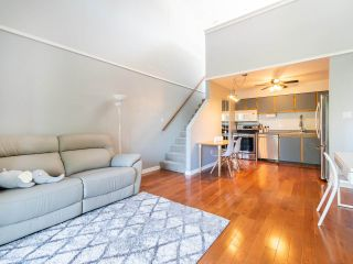 """Main Photo: 202 836 TWELFTH Street in New Westminster: West End NW Condo for sale in """"London Place"""" : MLS®# R2289709"""