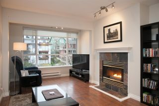 Photo 4: 302 155 E 3RD STREET in North Vancouver: Lower Lonsdale Condo for sale : MLS®# R2026333
