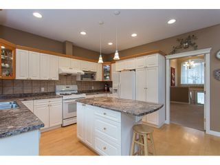 """Photo 5: 19659 JOYNER Place in Pitt Meadows: South Meadows House for sale in """"EMERALD MEADOWS"""" : MLS®# R2134987"""