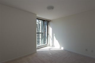 """Photo 5: 1405 928 RICHARDS Street in Vancouver: Yaletown Condo for sale in """"SAVOY"""" (Vancouver West)  : MLS®# R2107849"""