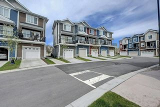 Photo 3: 508 NOLAN HILL Boulevard NW in Calgary: Nolan Hill Row/Townhouse for sale : MLS®# C4300883