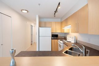 """Photo 21: 211 2768 CRANBERRY Drive in Vancouver: Kitsilano Condo for sale in """"ZYDECO"""" (Vancouver West)  : MLS®# R2598396"""