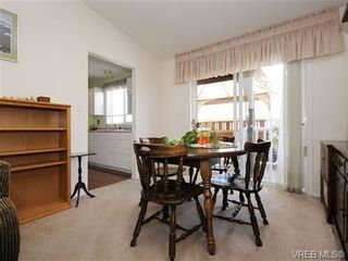 Photo 12: 82 Wolf Lane in VICTORIA: VR Glentana Manufactured Home for sale (View Royal)  : MLS®# 700173