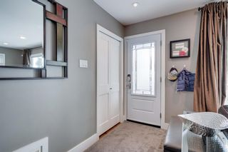 Photo 4: 5404 La Salle Crescent SW in Calgary: Lakeview Detached for sale : MLS®# A1086620