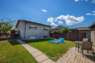 Photo 32: 30 Clearview Drive in Winnipeg: All Season Estates Residential for sale (3H)  : MLS®# 202020715
