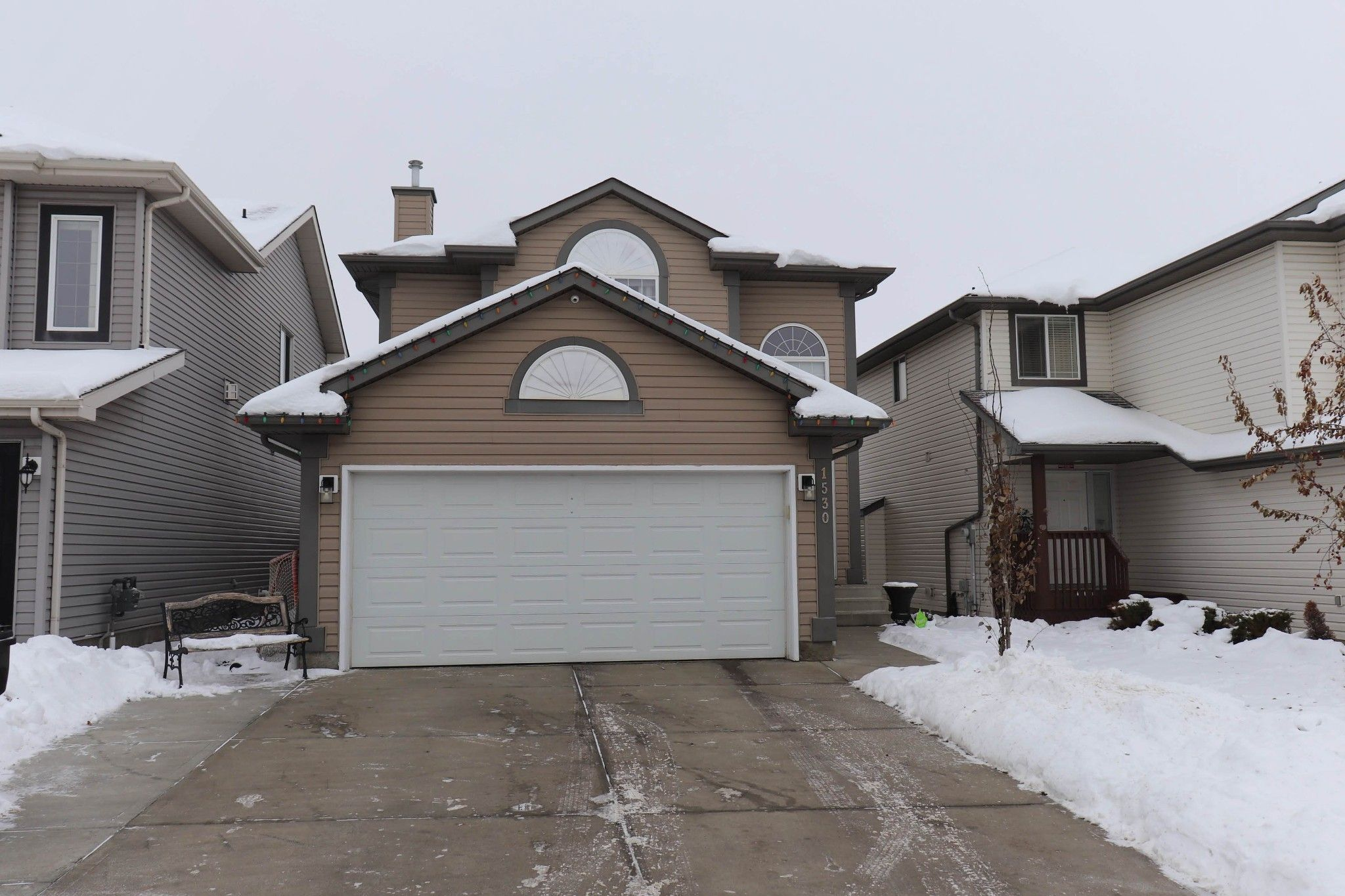 Main Photo: 1530 37b Ave in Edmonton: House for sale : MLS®# E4228182