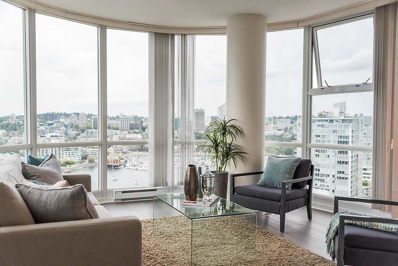 "Photo 2: Photos: 2508 193 AQUARIUS Mews in Vancouver: Yaletown Condo for sale in ""MARINASIDE RESORT RESIDENCES"" (Vancouver West)  : MLS®# R2106066"