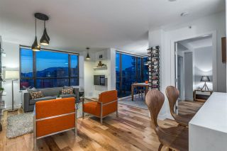"""Photo 2: 1606 1003 PACIFIC Street in Vancouver: West End VW Condo for sale in """"Seastar"""" (Vancouver West)  : MLS®# R2269056"""