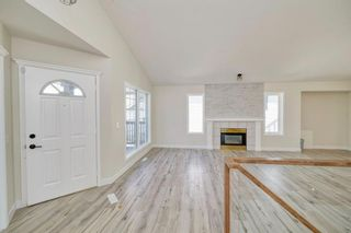 Photo 5: 3597 Douglas Woods Heights SE in Calgary: Douglasdale/Glen Detached for sale : MLS®# A1089528
