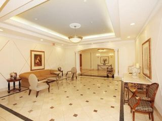 Photo 2: 980 Yonge St Unit #907 in Toronto: Yonge-St. Clair Condo for lease (Toronto C02)  : MLS®# C3978738