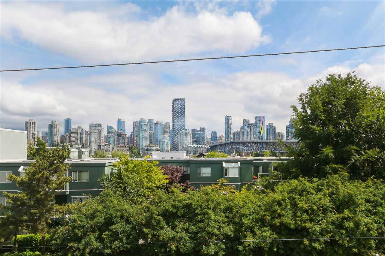 """Photo 20: Photos: 301 1630 W 1ST Avenue in Vancouver: False Creek Condo for sale in """"THE GALLERIA"""" (Vancouver West)  : MLS®# R2383041"""