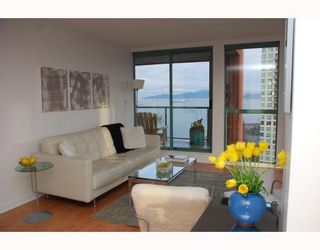 """Photo 7: 2203 907 BEACH Avenue in Vancouver: False Creek North Condo for sale in """"CORAL COURT"""" (Vancouver West)  : MLS®# V697746"""