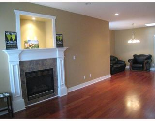 Photo 3: 7979 MCGREGOR Avenue in Burnaby: South Slope 1/2 Duplex for sale (Burnaby South)  : MLS®# V754587