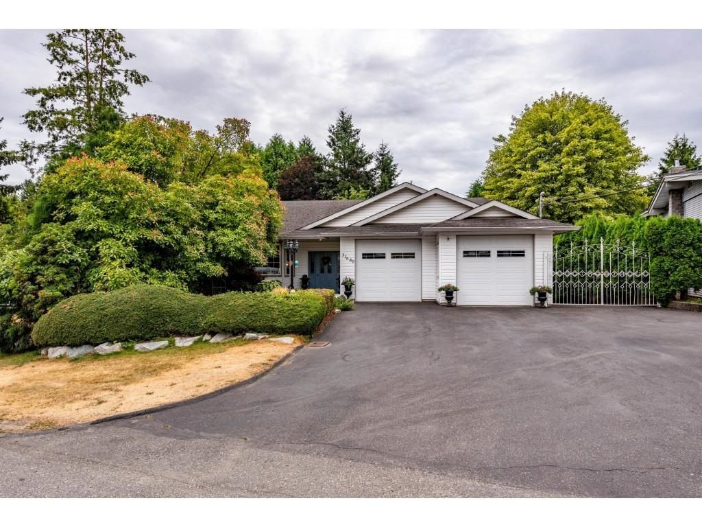 """Main Photo: 31680 SOUTHDALE Crescent in Abbotsford: Abbotsford West House for sale in """"CLEARBROOK"""" : MLS®# R2602950"""