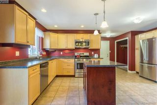 Photo 11: 969 Wild Blossom Crt in VICTORIA: La Happy Valley House for sale (Langford)  : MLS®# 761682