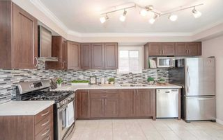 Photo 9: 61 Charlton Crescent in Ajax: South West House (2-Storey) for sale : MLS®# E5244173