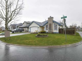 Photo 2: 6416 188A Street in Surrey: Cloverdale BC House for sale (Cloverdale)  : MLS®# R2445513