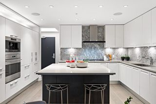 """Photo 1: 211 6333 WEST Boulevard in Vancouver: Kerrisdale Condo for sale in """"McKinnon"""" (Vancouver West)  : MLS®# R2605398"""