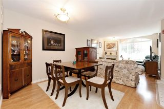 """Photo 4: 27 23085 118 Avenue in Maple Ridge: East Central Townhouse for sale in """"SOMMERVILLE GARDENS"""" : MLS®# R2490067"""