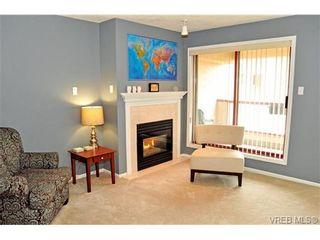 Photo 2: 308 545 Manchester Rd in VICTORIA: Vi Burnside Condo for sale (Victoria)  : MLS®# 702839