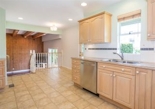 Photo 3: 10711 ROSELEA Crescent in Richmond: South Arm House for sale : MLS®# R2246175