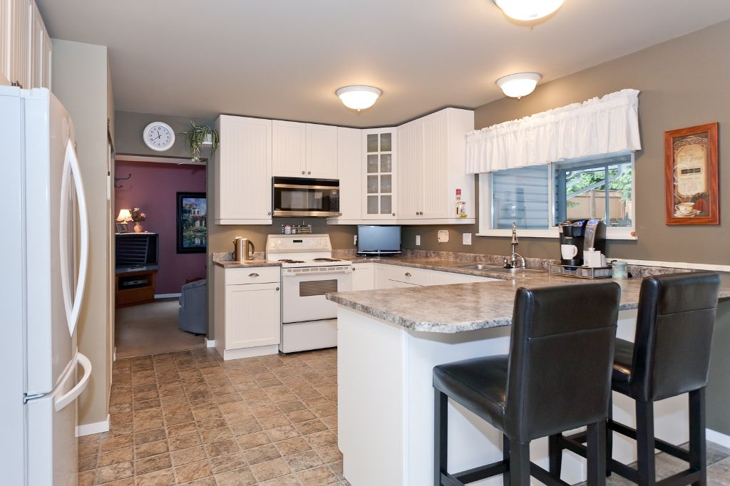 Photo 6: Photos: 423 WALKER Street in Coquitlam: Coquitlam West House for sale : MLS®# V938751