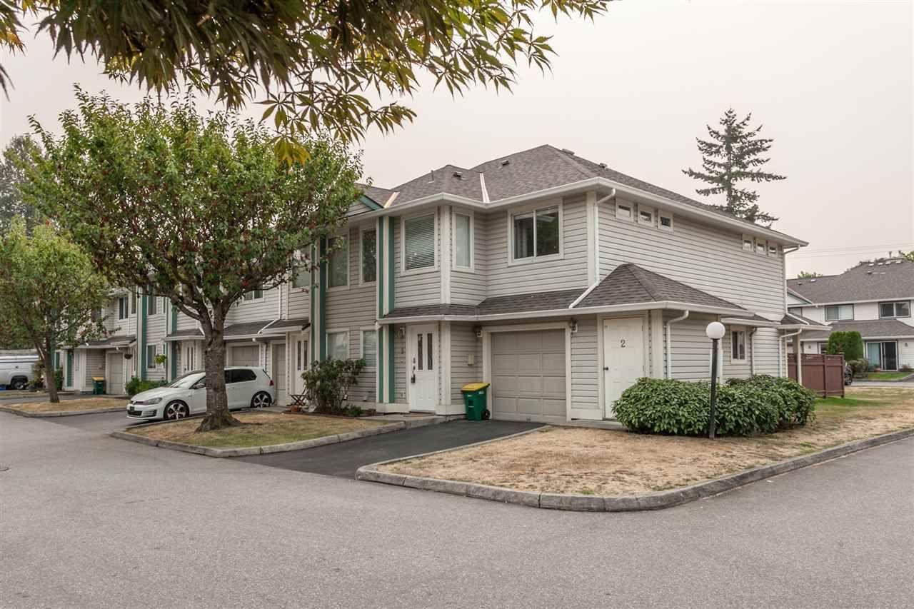 "Main Photo: 19 11950 232 Street in Maple Ridge: North Maple Ridge Townhouse for sale in ""GOLDEN EARS VISTA"" : MLS®# R2202624"