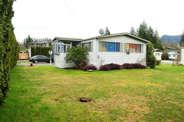 """Main Photo: 29 39768 GOVERNMENT Road in Squamish: Northyards Manufactured Home for sale in """"THREE RIVERS"""" : MLS®# R2051629"""